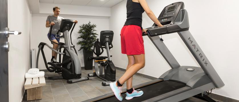 france_chamonix_residence-isatis_fitness-room.jpg